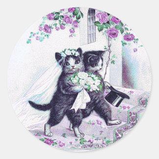 Pegatina Redonda Ocasión especial púrpura de los gatos del boda