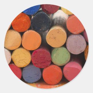 Pegatina Redonda piense en color