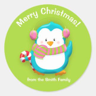 Pegatina Redonda Pingüino colorido personalizado del navidad en