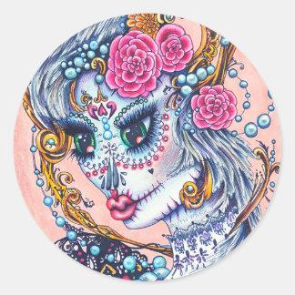 Pegatina Redonda Retrato grande del ojo de Catalina del cráneo azul