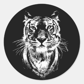 Pegatina Redonda Retrato impresionante del gato de tigre. Fauna