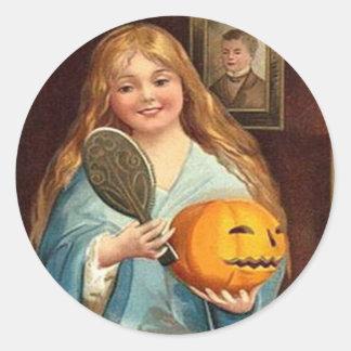 Pegatina Redonda Señora With Mirror del vintage de Halloween)