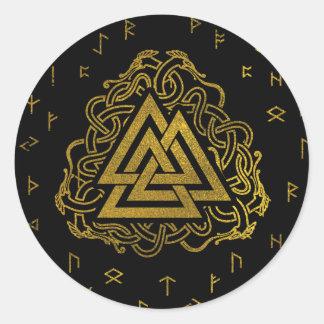 Pegatina Redonda Símbolo de Valknut del oro en modelo de las runas
