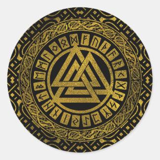 Pegatina Redonda Símbolo metálico de Valknut del oro