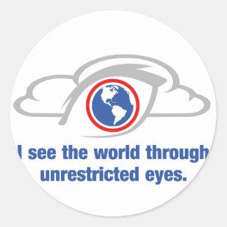 Pegatina Redonda Veo el mundo a través de ojos sin restricción