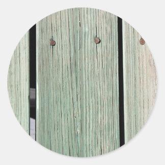 Pegatina Redonda Verde y calzada de madera del tablón de Brown