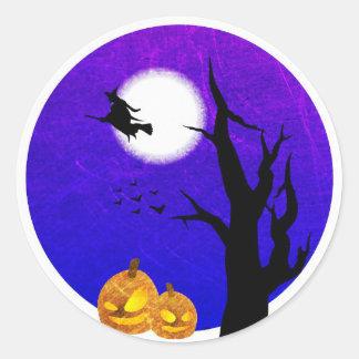 Pegatina Redonda Vuelo de la bruja de los pegatinas de Halloween de