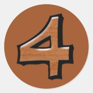 Pegatina redondo del chocolate tonto del número 4