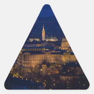 Pegatina Triangular Castillo Hungría Budapest de Buda en la noche