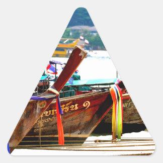 Pegatina Triangular Edición de la postal de Phiphiisland