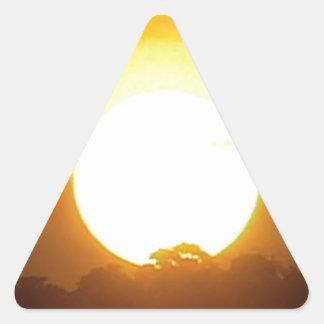 Pegatina Triangular el kground añade la puesta del sol CONOCIDA de la