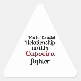 Pegatina Triangular Estoy en una relación confiada con el higo de