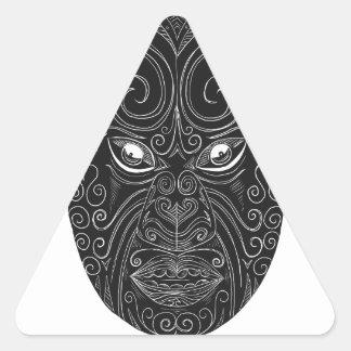 Pegatina Triangular Máscara maorí Scratchboard