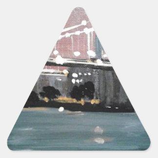 Pegatina Triangular Paisaje urbano oscuro