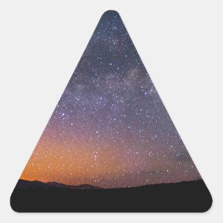 Pegatina Triangular Puesta del sol de la vía láctea de Death Valley