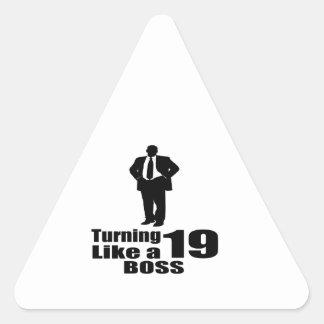 Pegatina Triangular Torneado de 19 como Boss