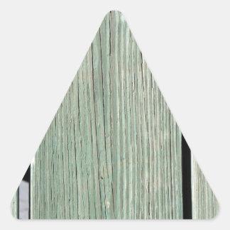 Pegatina Triangular Verde y calzada de madera del tablón de Brown