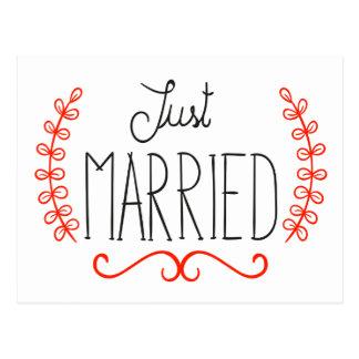 Pegatinas apenas rojos y negros florales casados postal