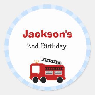 Pegatinas del cumpleaños del coche de bomberos de pegatina redonda