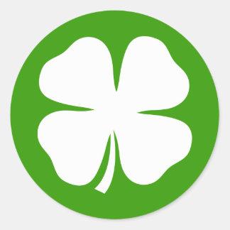 Pegatinas del día del St Patricks con los tréboles Pegatina Redonda