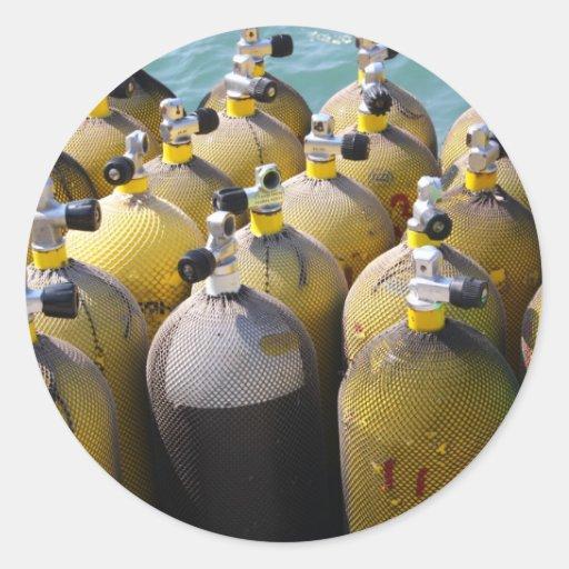 Pegatinas del equipo del buceo con escafandra etiqueta redonda