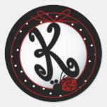 Pegatinas redondos iniciales de la mariquita K Pegatina Redonda