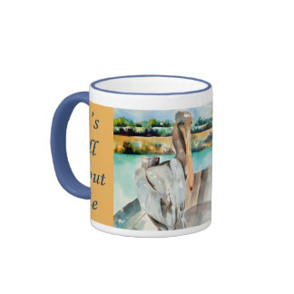 Pelícano con una actitud taza de café