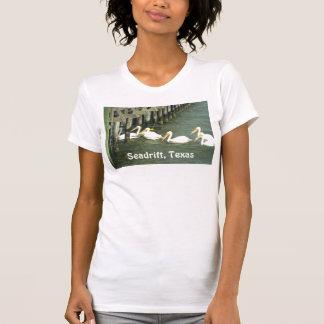 Pelícanos que cruzan, Seadrift, Tejas Camisetas