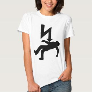 Peligro del símbolo de la descarga eléctrica camiseta