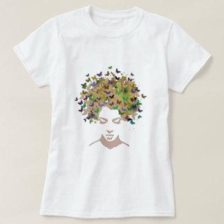 Pelo de la camiseta de las mariposas