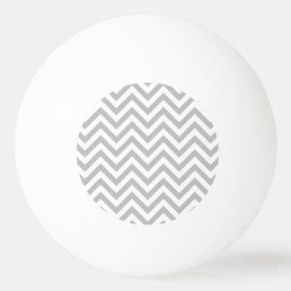 Pelota De Ping Pong El zigzag gris y blanco raya el modelo de Chevron