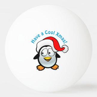Pelota De Ping Pong Pingüino fresco del bebé con el gorra de Santa