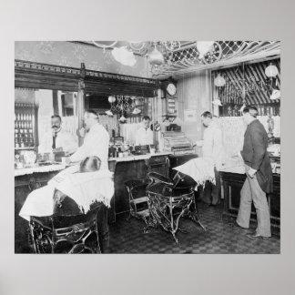 Peluquería de caballeros de New York City, 1895. Póster