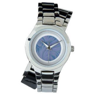 Penacho azul con el reloj blanco del cumplido