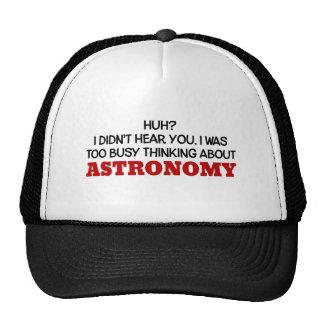 Pensamiento demasiado ocupado en astronomía gorro de camionero