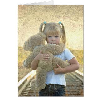 pensamiento en el chica usted-triste con el oso de tarjeta de felicitación