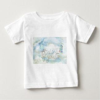 Pensamiento en usted camiseta de bebé
