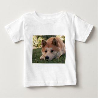 Pensamientos profundos del perro de Akita Inu Camiseta De Bebé