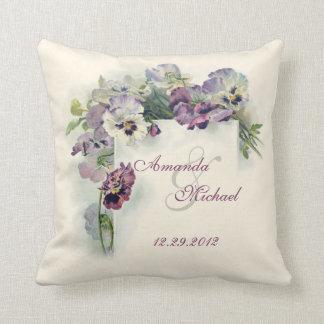 Pensamientos púrpuras que casan la almohada de