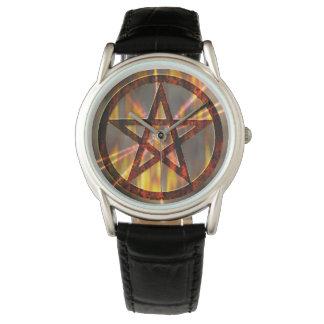 Pentagram ardiente reloj