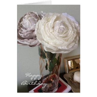 Peonies en un cumpleaños del florero tarjeta