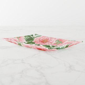 Peonies rosados en blanco