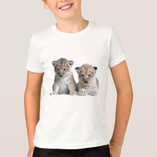 Pequeña camiseta linda del cachorro de león