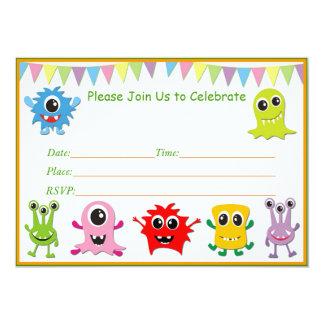 Pequeñas invitaciones de la fiesta de cumpleaños