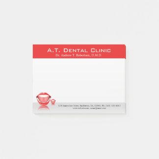 Pequeñas notas del Poste-it® del dentista dental