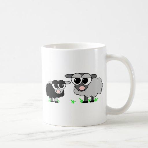 Pequeñas ovejas negras lindas y ovejas de BigGray Taza De Café