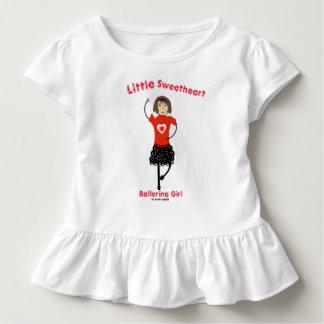 Pequeño chica de la bailarina del amor camiseta de bebé