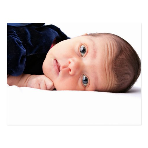 Pequeño niño recién nacido lindo tarjeta postal