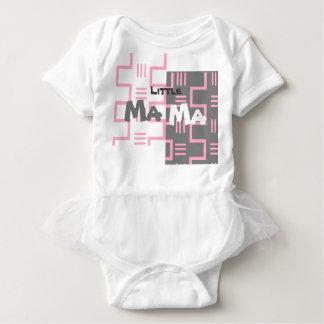 Pequeño tutú de la camiseta del bebé de la mamá