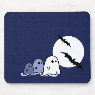 Pequeños fantasmas divertidos. Regalo Mousepads de